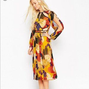 NWT ASOS - Floral Cut Out Dress 6
